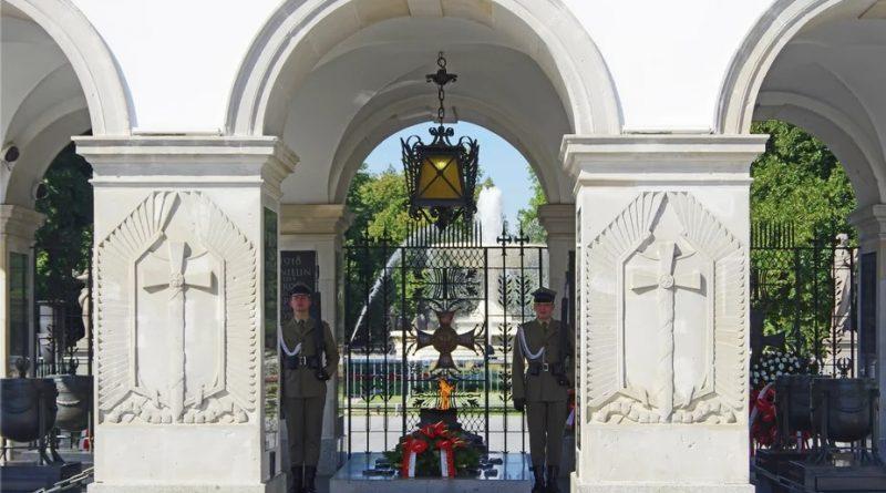 Czy odbudowa Pałacu Saskiego zniszczy kontekst Grobu Nieznanego Żołnierza?